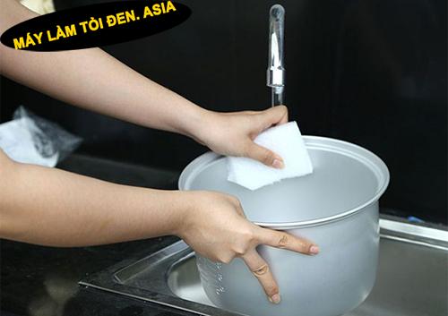 Bật mí bí quyết về cách làm tỏi đen không bị ướt