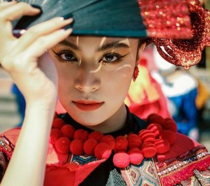 Hoang Thuy Linh - Êkip Hoàng Thuỳ Linh chiếm 7/10 đề cử Làn Sóng Xanh