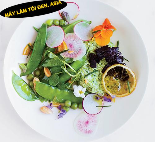 Ăn tỏi đen ngay trong bữa ăn của bạn