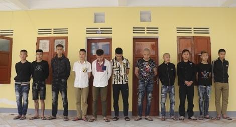 """anh nhom doi tuong chon song 1 16168409466021779705273 - Vụ """"chôn sống"""" nam thiếu niên: Các nghi phạm khai gì về hành vi gây phẫn nộ?"""