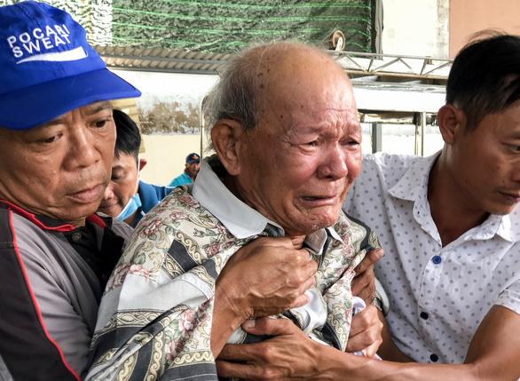 img3725 16170900163561090427898 - Tiếng khóc ở nhà tang lễ sau vụ cháy nhà: 'Cho tôi nhìn mặt con cháu lần cuối'