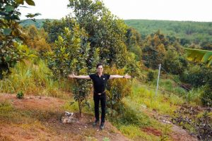 ngocson twql 300x200 - Thương Tín, Ngọc Sơn... được tặng xe hơi, đất vườn rộng 20.000m2