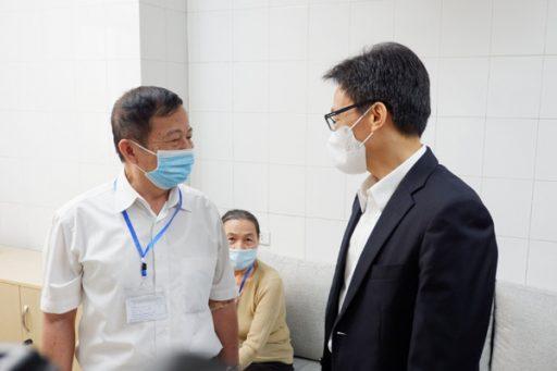 pho thu tuong vu duc dam tiem thu nghiem vac xin covid 19 cua viet nam e1616810775359 - Phó Thủ tướng Vũ Đức Đam tiêm thử nghiệm vắc xin Covid-19 của Việt Nam