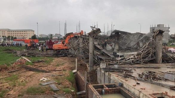 ssapj 1617359483064918429998 - Sập giàn giáo công trình xây dựng lớn, hai công nhân tử vong