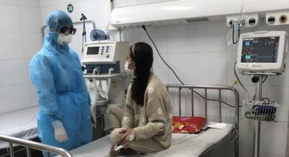 thanh hoa benh nhan ntt - Niềm vui vỡ òa với nữ bệnh nhân nhiễm corona trong ngày xuất viện