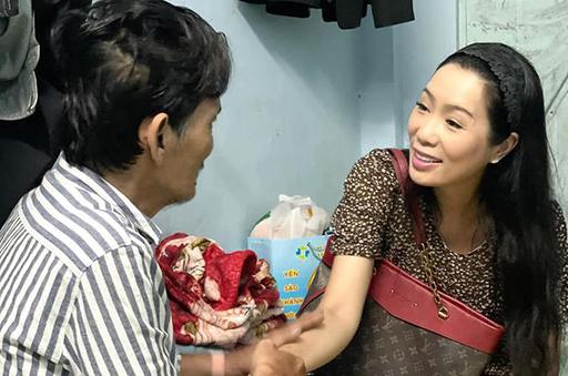 trinhkimchi nsur lerh - Trịnh Kim Chi: Thương Tín khóc khi xem danh sách có người ủng hộ 15.000 - 20.000 đồng