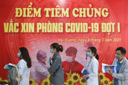 vietnam tiem chung 2 16155034488411313052414 e1615597805894 - Sáng 12-3, có 2 ca mắc COVID-19 tại Hải Dương, lây chéo trong khu cách ly