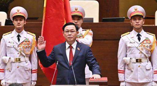 vuong dinh hue 7944 1617598814 e1617758416726 - Báo nước ngoài viết về Việt Nam bầu các lãnh đạo mới